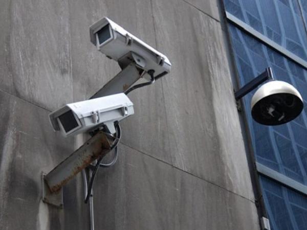 Installazione-videosorveglianza-per-edifi-commerciali-saronno